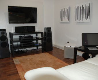 Meridian Surround System, Meridian Control 15, Meridian DSP 5200, Meridian G 61, Velodyne SPL 1200, Vicoustic